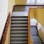 Mise aux normes de mes collèges et lycées : la question des escaliers
