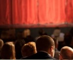 inedit-au-theatre-un-systeme-de-sous-titrage-en-live-9914