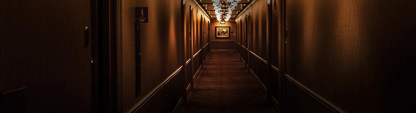 Couloir d'hôtel non accessible