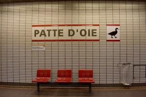 station de métro avec signalétique adaptée et accessible