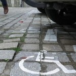 place de parking pour les personnes en situation de handicap