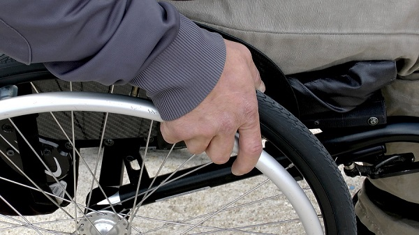 Personne à mobilité réduite : stationnement