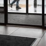 Comment choisir un tapis de propreté aux normes PMR ?