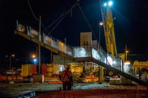 Mise en place et installation de la passerelle pour l'accessibilité des gares SNCF