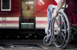 personne à mobilité réduite transports en commun
