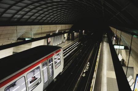 bip lumineux métro de Lyon pour l'accessibilité des personnes sourdes