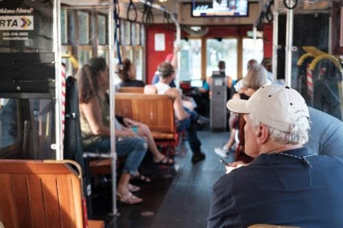 accès au transports pour les personnes âgées