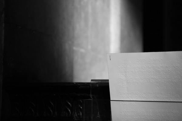 papier écrit en braille